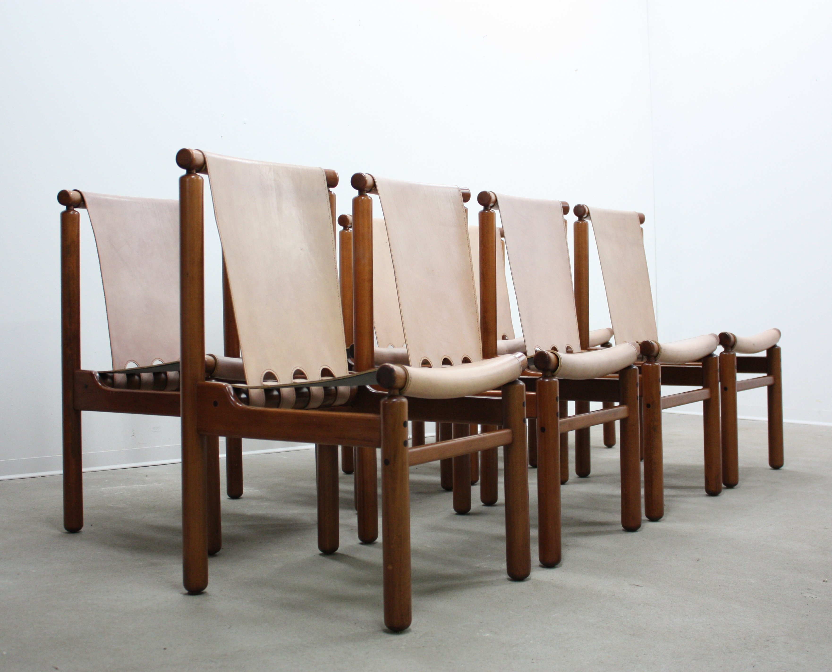Mobili Furniture Set Of 4 Dining Chairs By Ilmari Tapiovaara For La