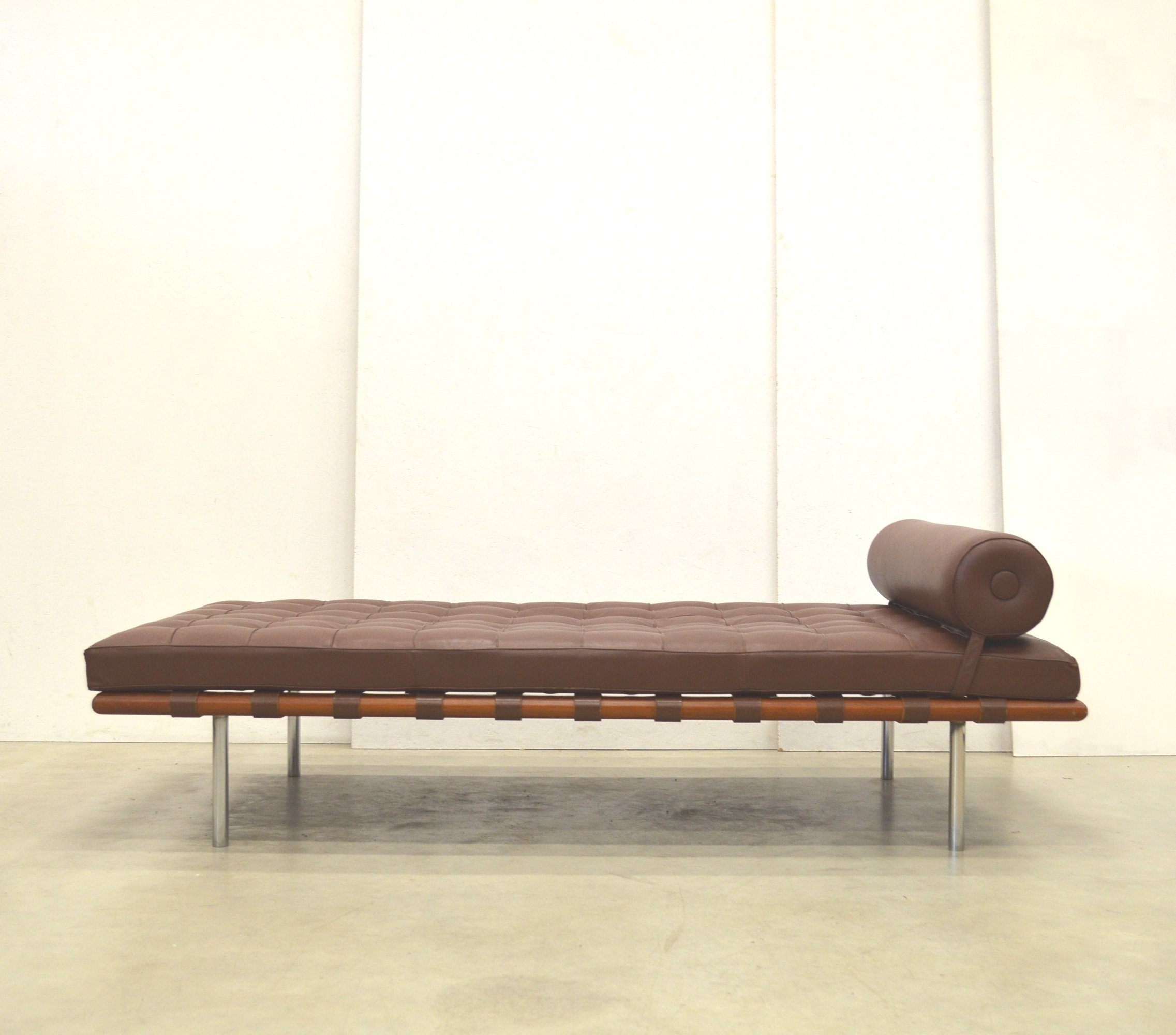 Barcelona Daybed Barcelona Daybed By Ludwig Mies Van Der Rohe For Knoll