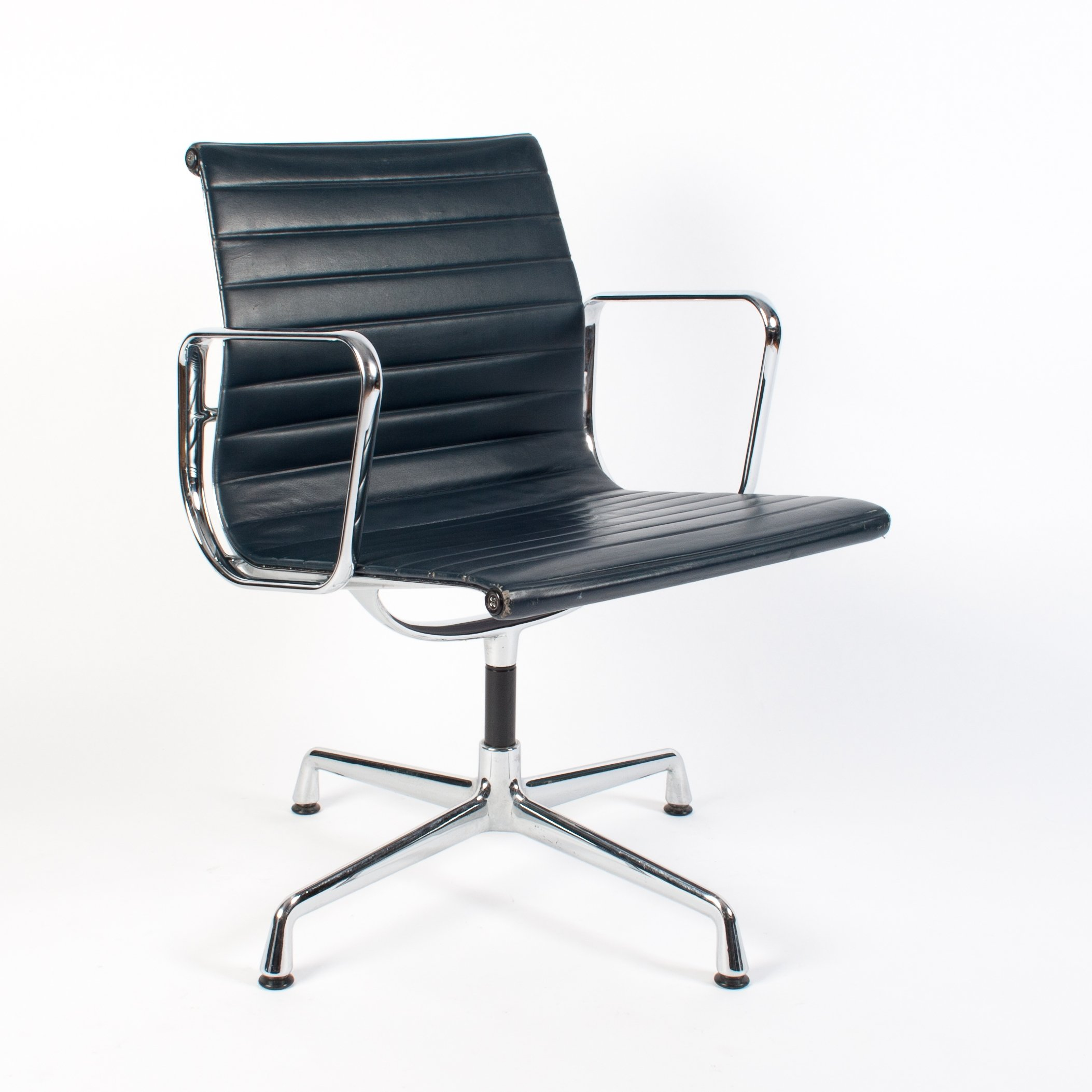 Eames 108 4x Blue Leather Ea 108 Arm Chair By Charles Ray Eames For