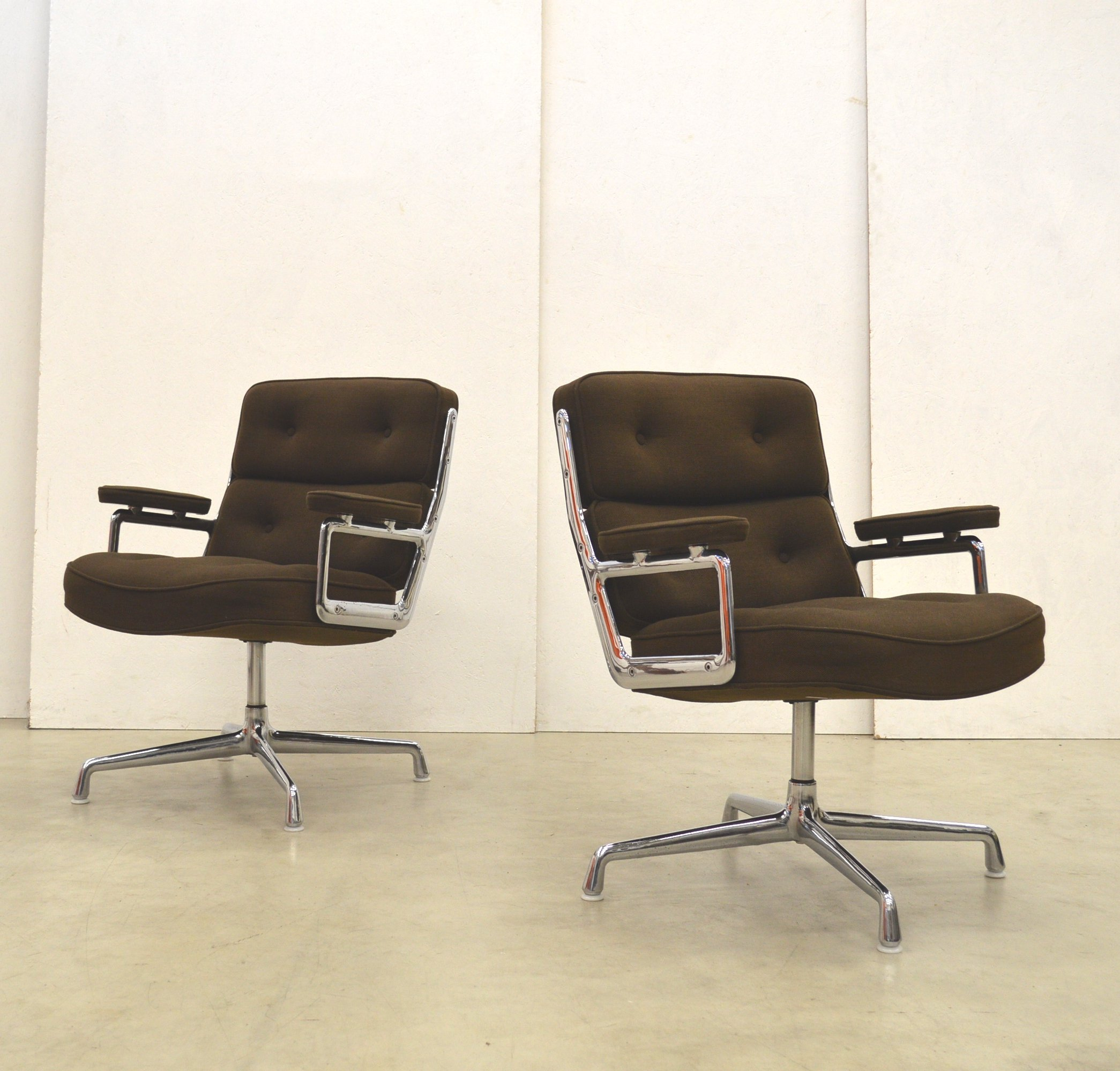 Eames 108 2 X Es108 Office Chair By Charles Ray Eames For Herman Miller 1970s