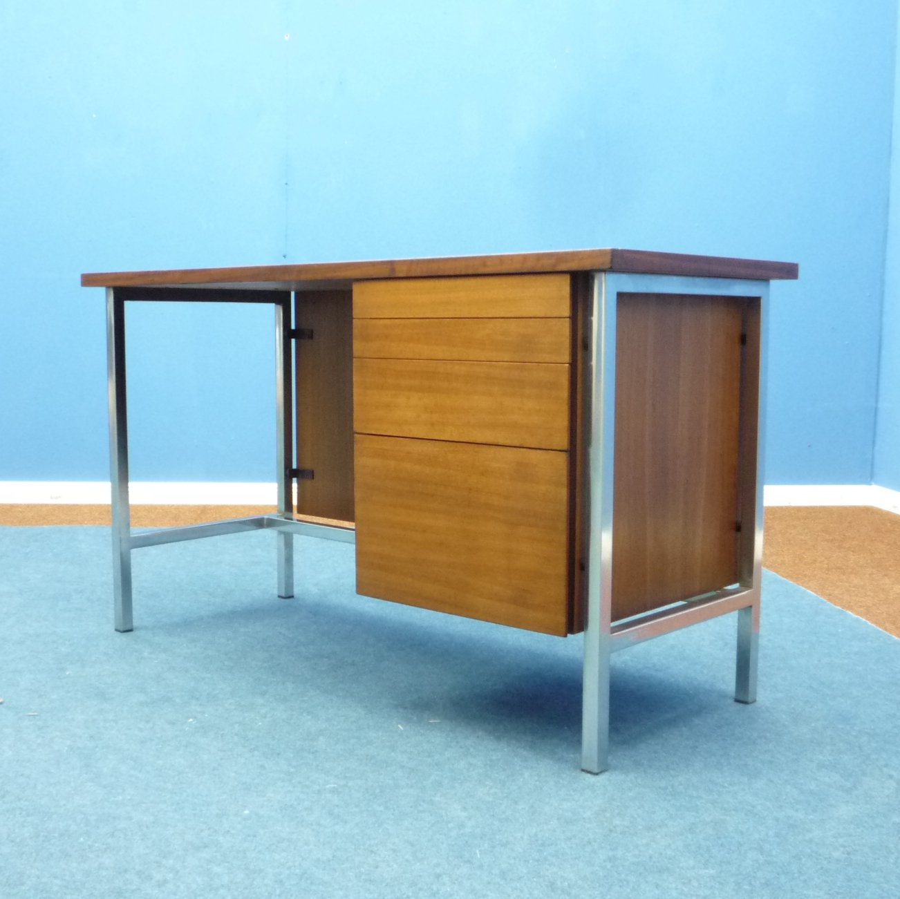 Knoll International Walnut Ladies Desk By Florence Knoll For Knoll International