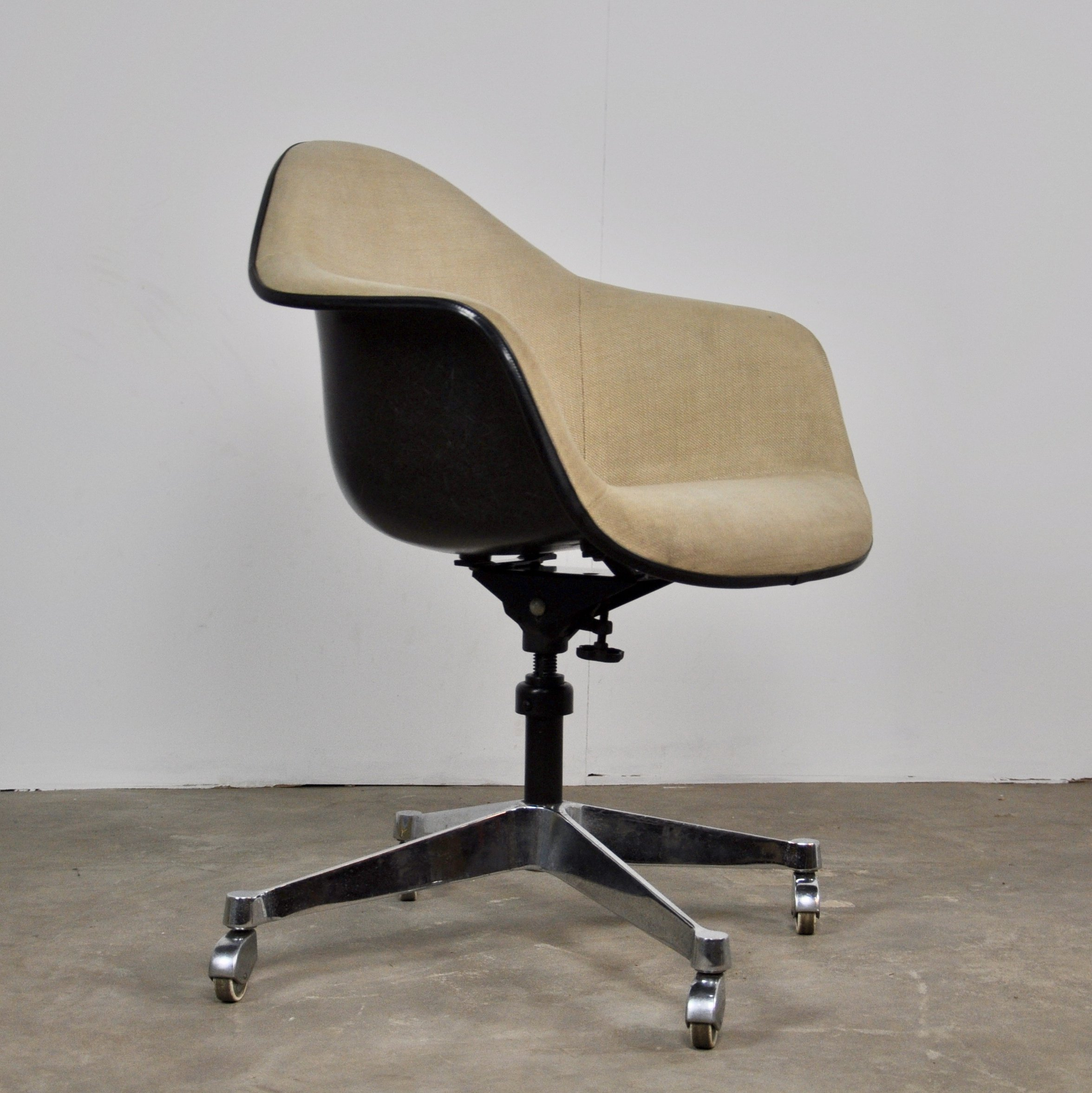 Charles Eames Office Chair By Charles Eames For Herman Miller 1970s