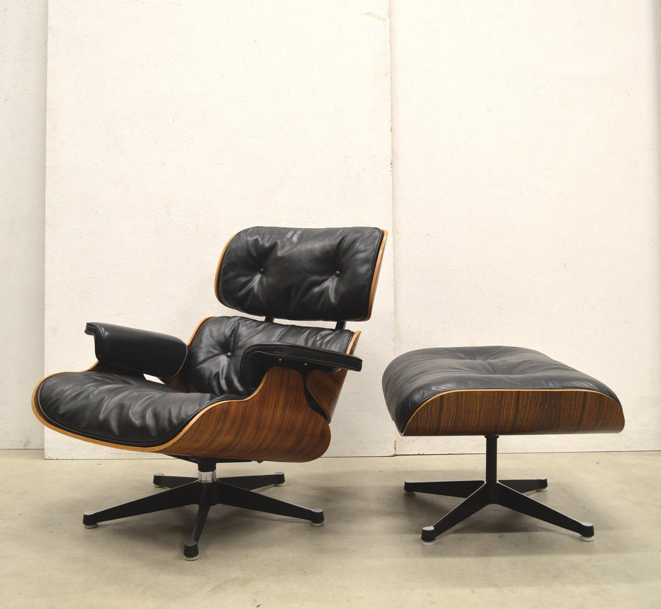 Charles Eames Lounge Chair Very Early Contura Herman Miller Lounge Chair & Ottoman By Charles Eames, 1960s | #150303