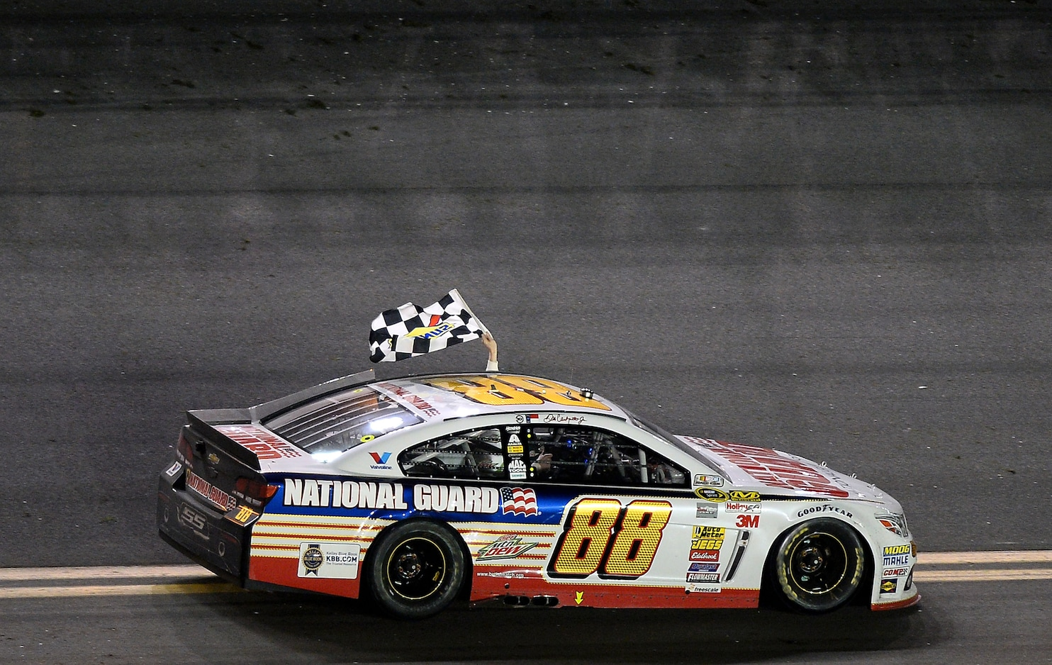Dale Earnhardt Jr Car Wallpaper No One Is Better Suited For The Daytona 500 Than Dale