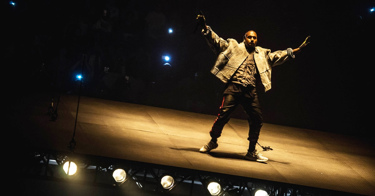Wallpaper Hd Taylor Swift Kanye West Floats In Unique Saint Pablo Tour Kickoff