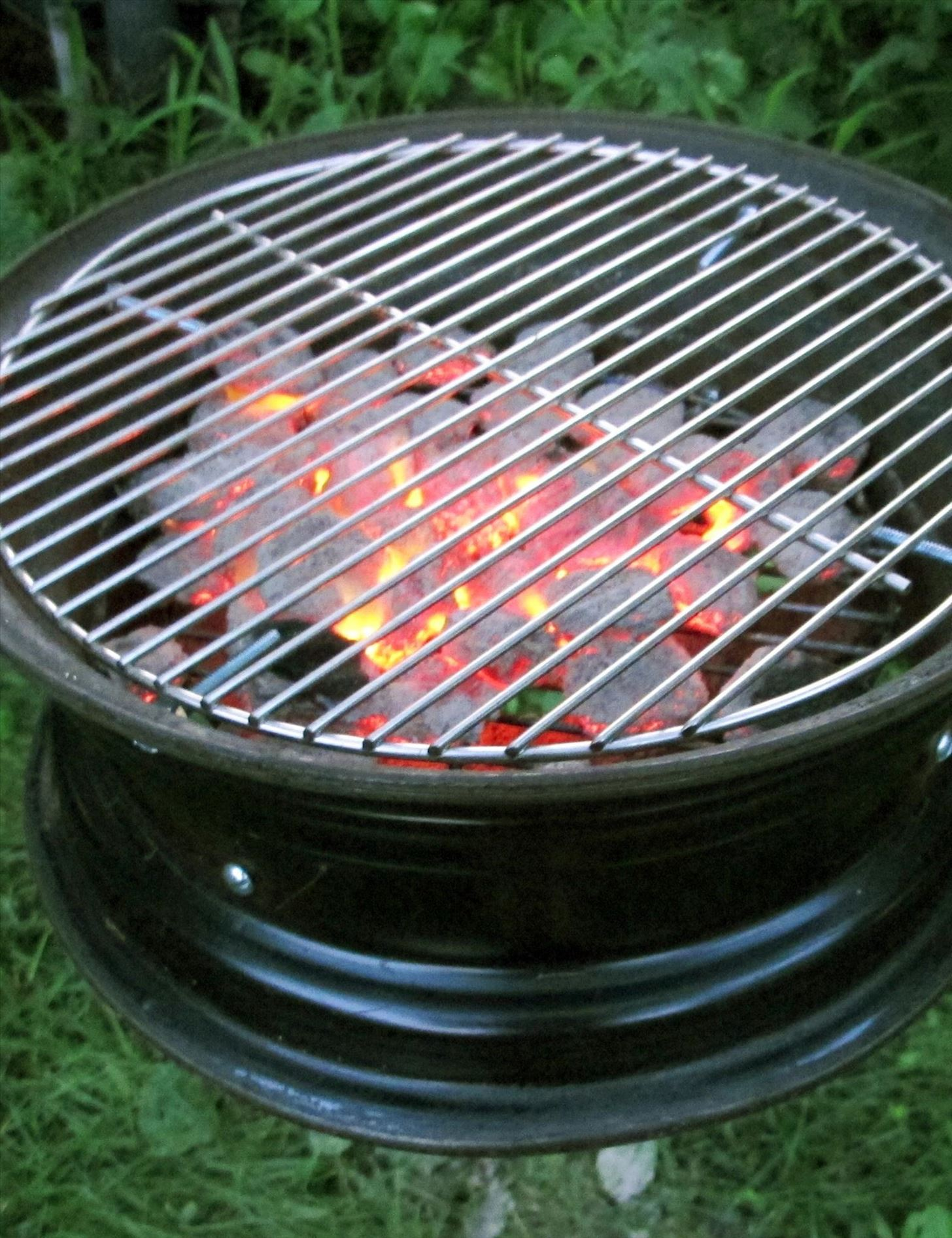 Coal Bbq 10 Clever Ways To Cook Out Without A Grill Food Hacks Wonderhowto