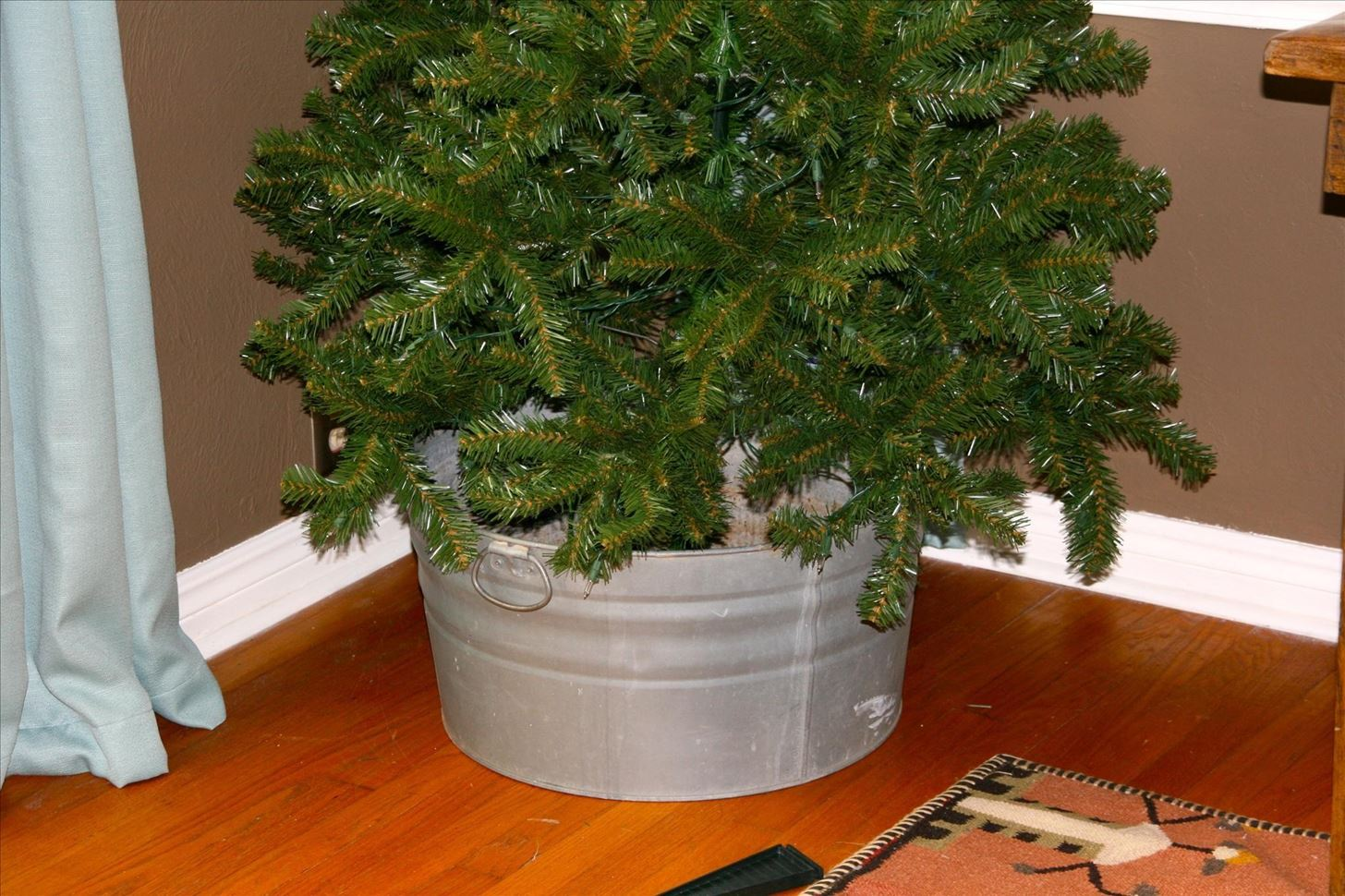 How To Make Your Own Tree Stand How To Get A 5 Christmas Tree And How To Take Care Of It