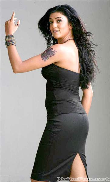 Beautiful Wallpapers With Quotes In Hindi Bollywood Beauties In Black Dress Women In Black