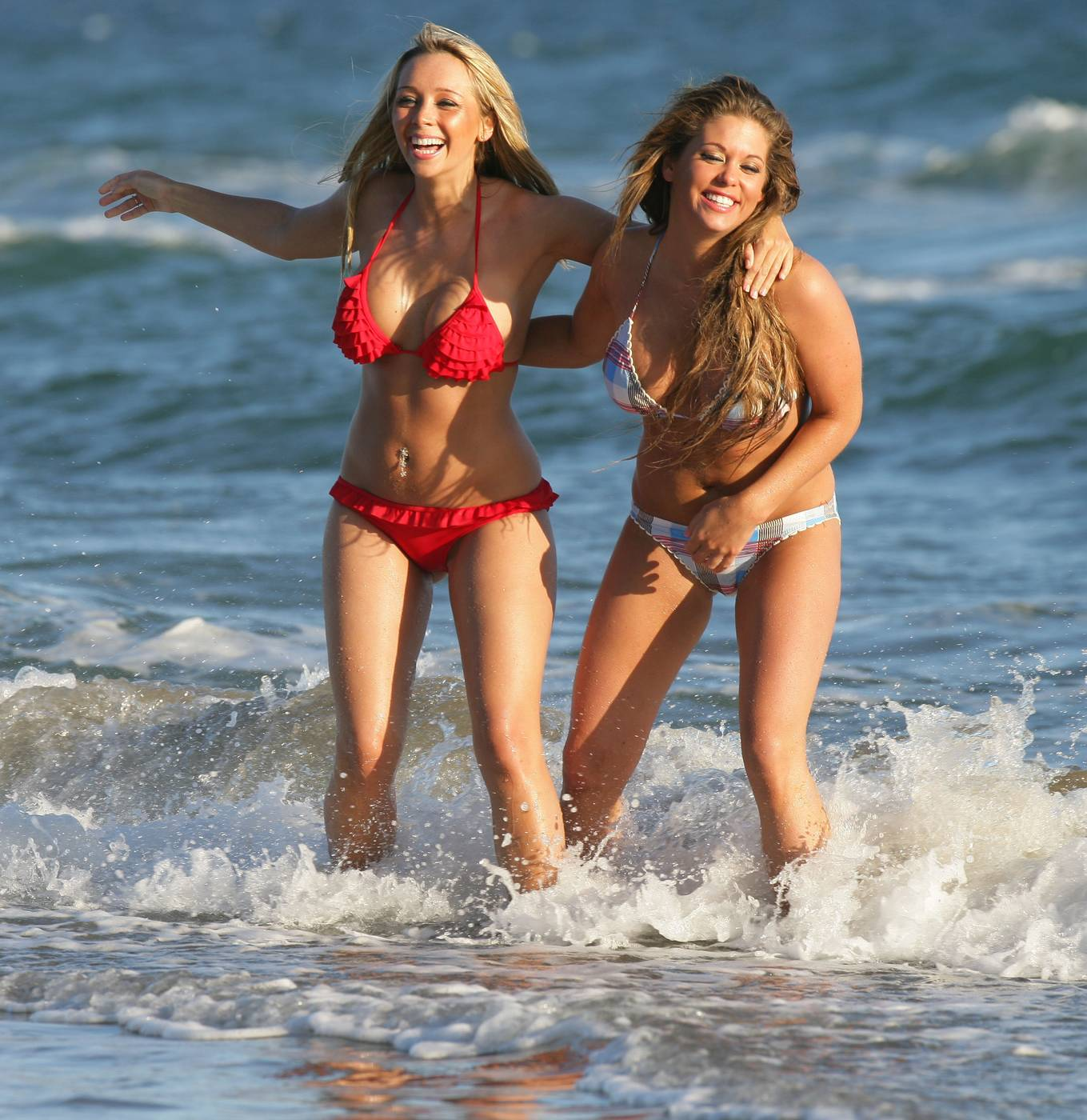 Cute Wallpapers Of Couples With Quotes Bianca Gascoigne And Charlotte Mears Marbella Bikini Quot C
