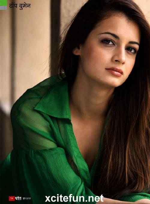 Cute Wallpapers With Nice Quotes Dia Mirza Woman On Top Xcitefun Net