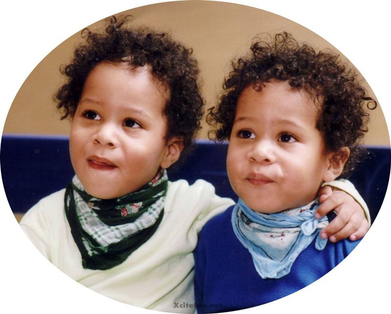 Cute Twin Baby Boy And Girl Wallpapers Incredible Similar Identical Twins Xcitefun Net