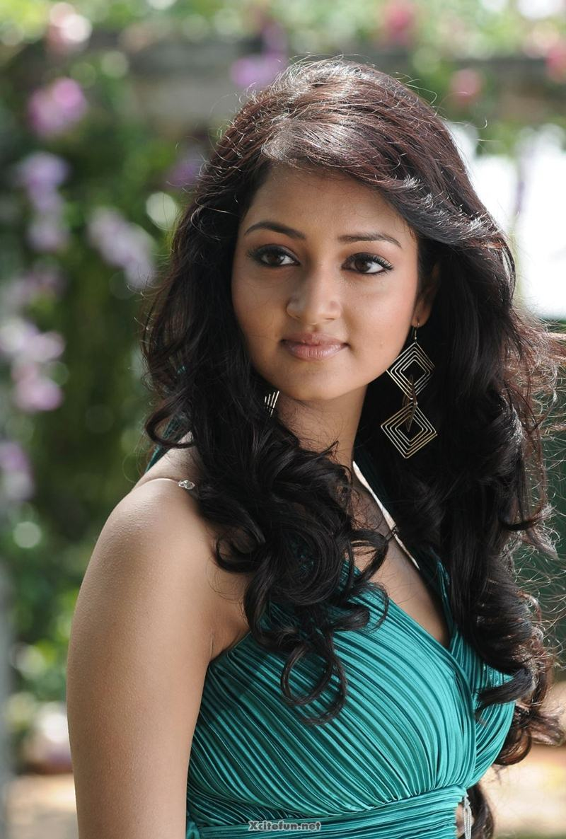 Cute Sweet Wallpapers For Phone South Actress Sweet Shanvi Photos Xcitefun Net