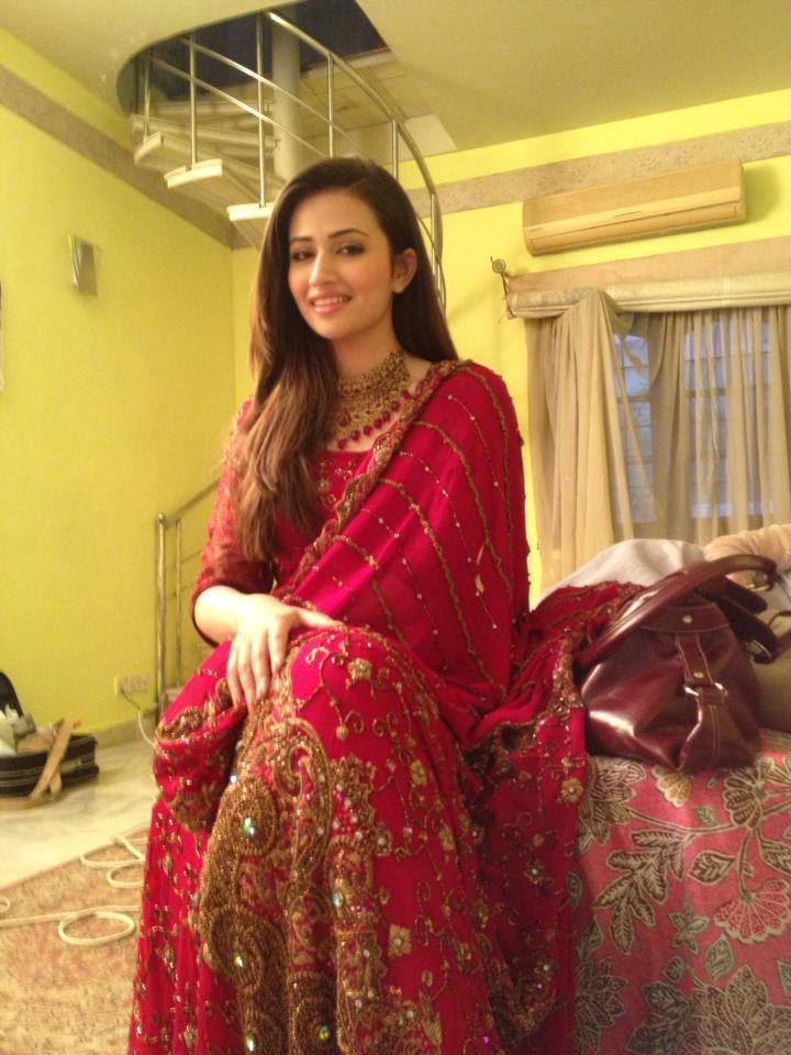 Beautiful Wedding Girl Wallpaper Sana Javed Cute Photoshoots Xcitefun Net
