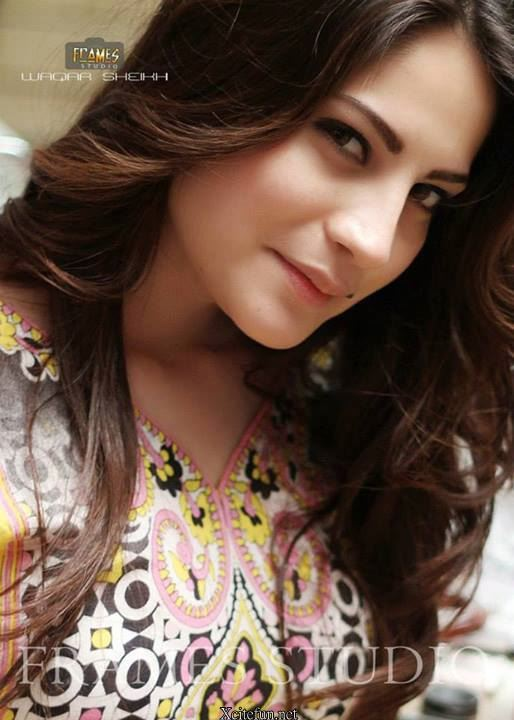 Latest Cool Wallpapers With Quotes Cute Neelam Muneer Photo Shoots Xcitefun Net