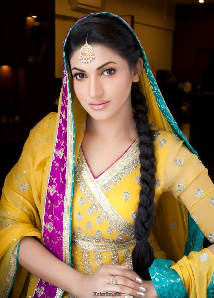 Sweet Cute Wallpapers Mobile Sana Fakhar Awesome Makeup Photoshoot Xcitefun Net