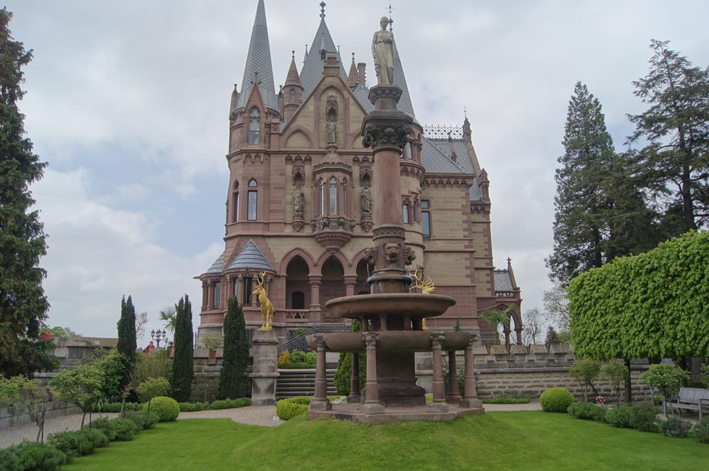 Cute Science Wallpaper Schloss Drachenburg The Dragon Castle Of Germany