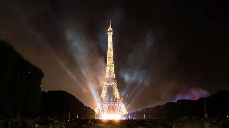 Cute Wallpapers On Computer Eiffel Tower Fire Works New Year Celebration Xcitefun Net