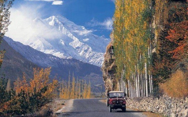 Fall Desktop Mountain Wallpaper Karakoram Highway Of Pakistan World Dangerous Road