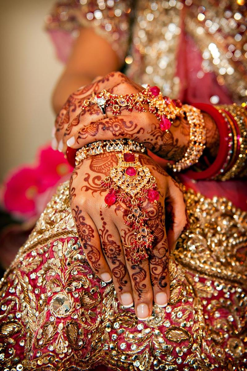 Pakistani Beautiful Girl Wallpaper Bridal Mehndi Hand Jewelry And Bangles Xcitefun Net