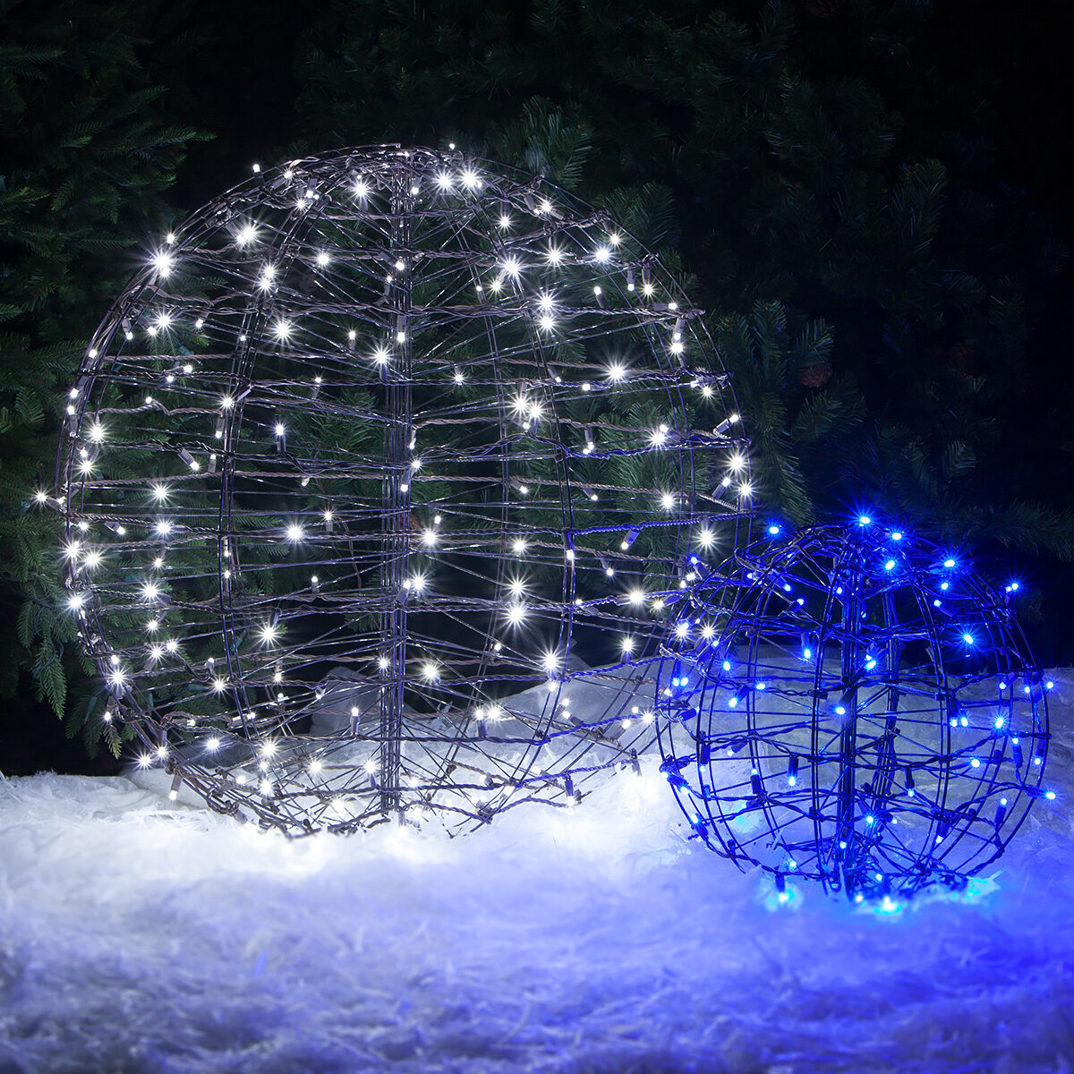 White Led Lighted Outdoor Christmas Crystal Sphere ... & Outdoor Lighted Spheres - Democraciaejustica