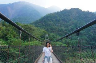 南投。信義|小夫妻的深山冒險Day2!走過山中秘境蘇斯共吊橋,穿梭布農族原始關門古道,橫越濁水溪!