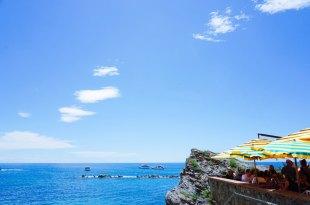 義大利自由行 五漁村Cinque Terre推薦餐廳 il Casello海景餐廳,利古里亞海的海浪在腳下洶湧拍打。