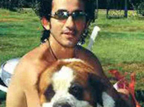 باريس هيلتون تحتضن كلبها الشى واوا -اليوم السابع -9 -2015