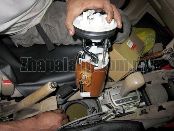 2005 nissan fuel filter