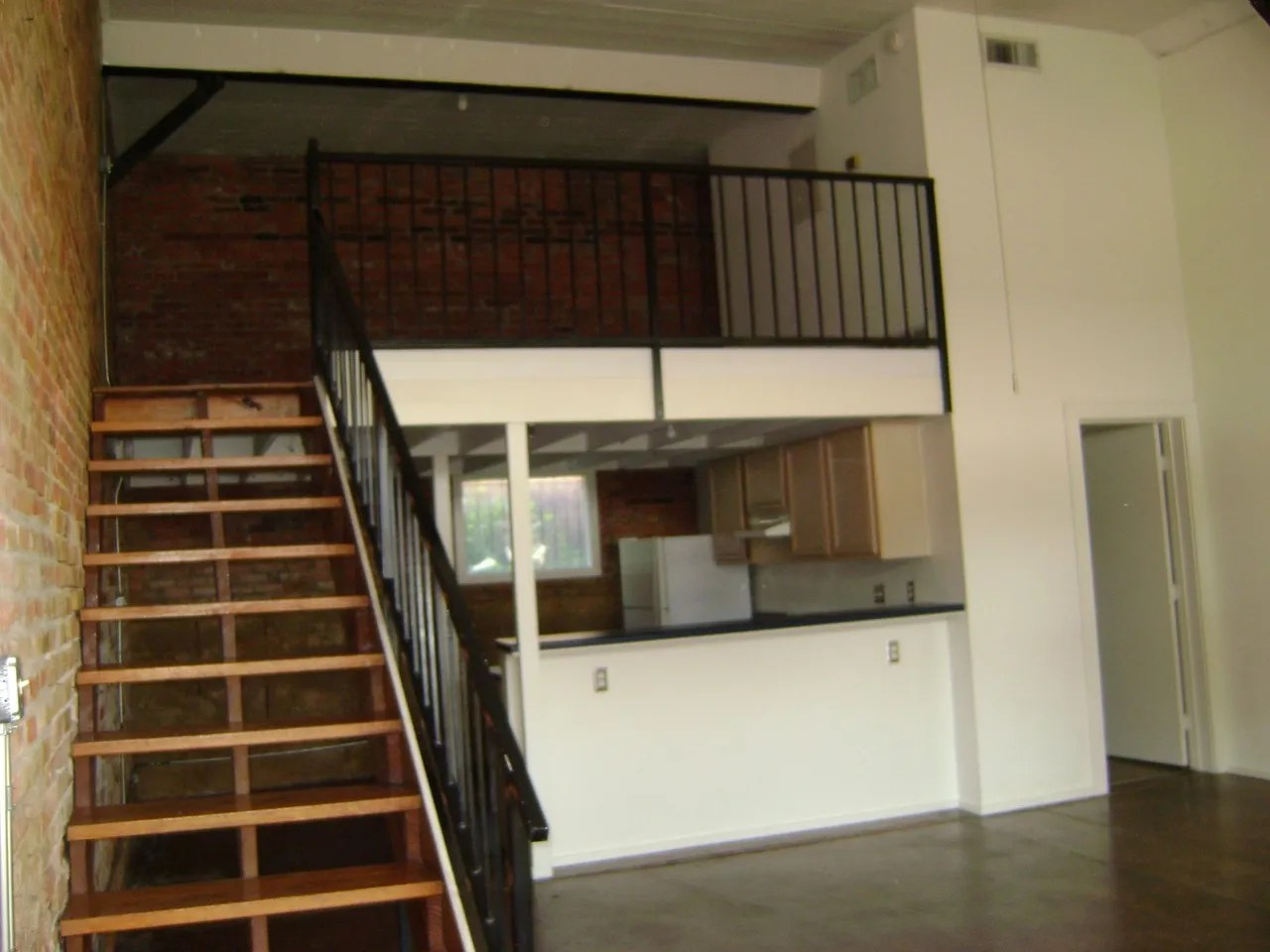 Garage Apartment For Rent In Dallas Magnolia Station Lofts Apartments For Rent 1607 Lyte Street