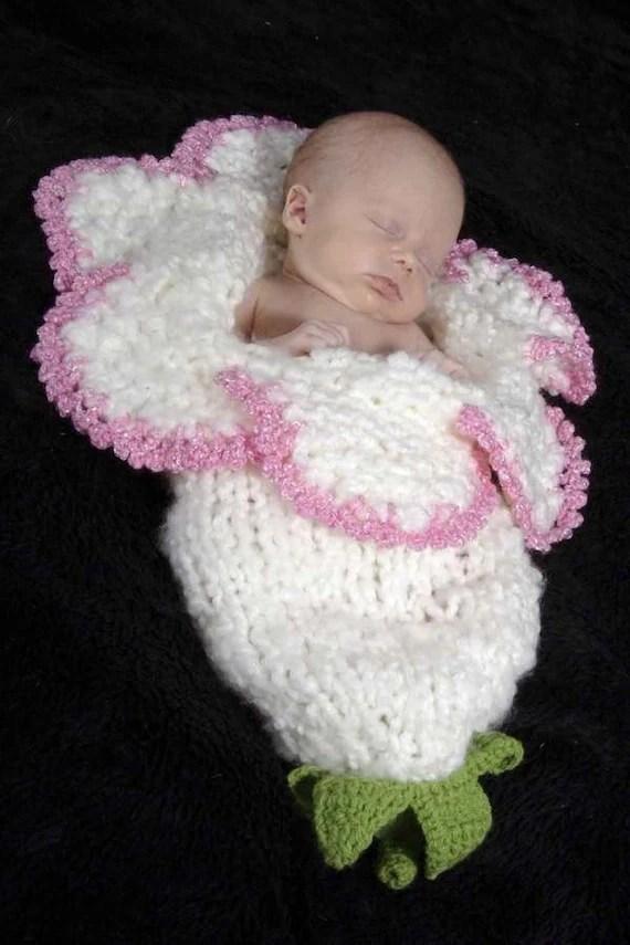 Sleeping Baby Girl Wallpaper New Style Newborn Baby Bell Flower Cocoon White Pink