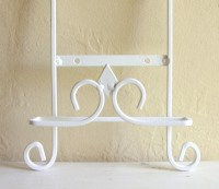 White Cottage Style Plate Rack Holder Wall Hanging Metal
