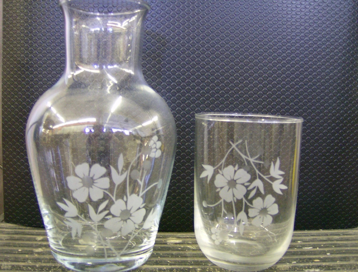 Bedside Water Carafe And Glass Ct0426v Lovely Guest Bedside Water Pitcher And Glass Floral