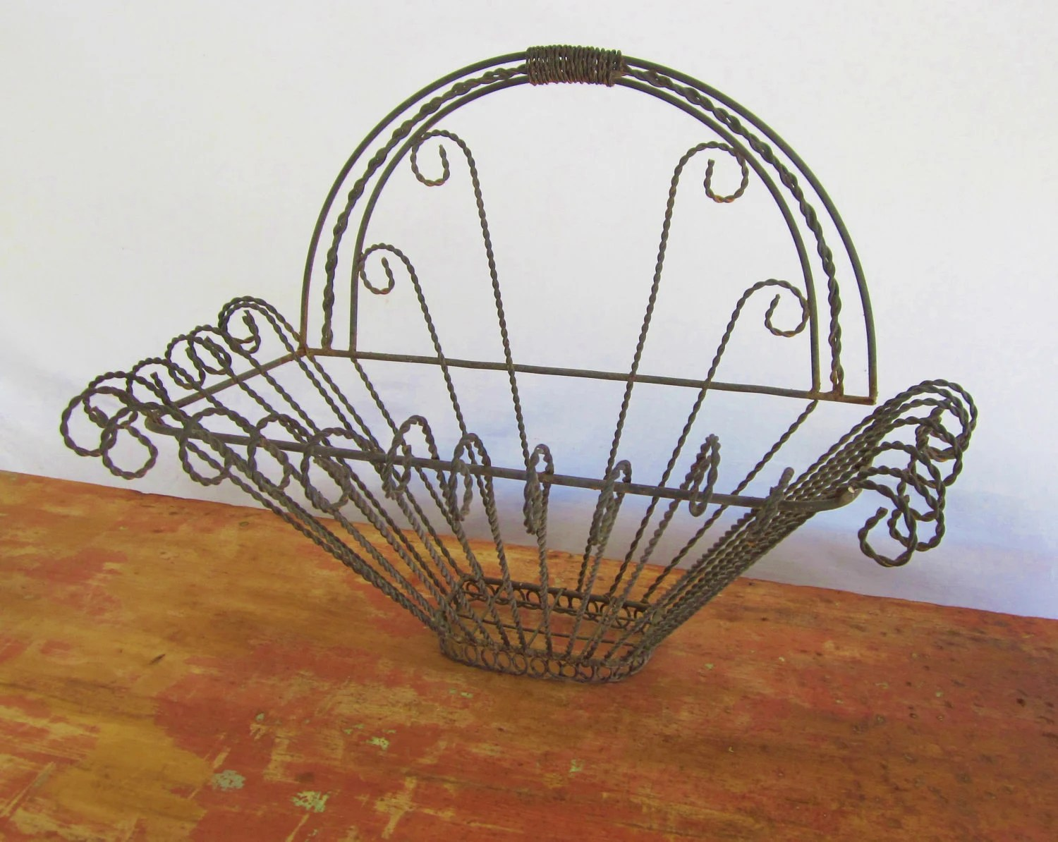 Drahtkorb Garten Antique Wire Basket Garden Barn Planter By Littleredpolkadots