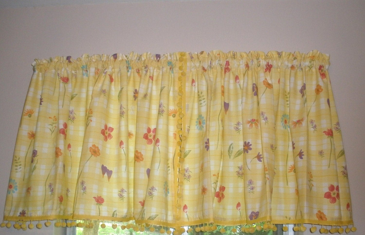 Kitchen Curtains For Yellow Walls Vintage Kitchen Curtains Yellow And White With By