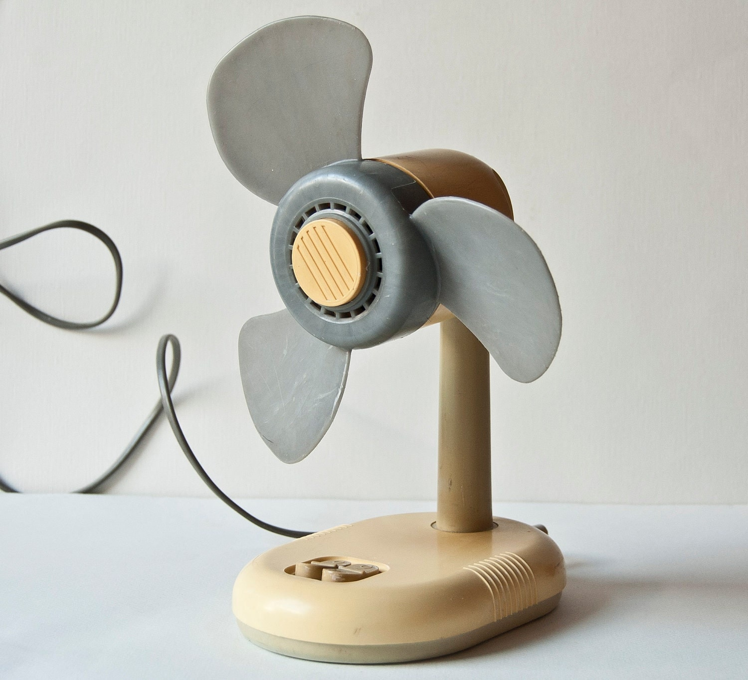 Wooden Electric Fan Vintage Electric Fan Little Tabletop Desk Fan Ventilator