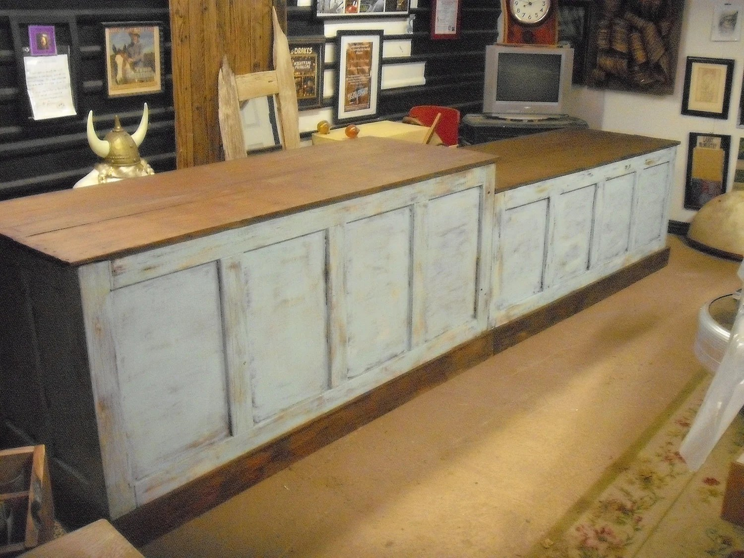 Pine Kitchen Island Unit Distressed Retail Check-out Counter Kitchen Island / Bar