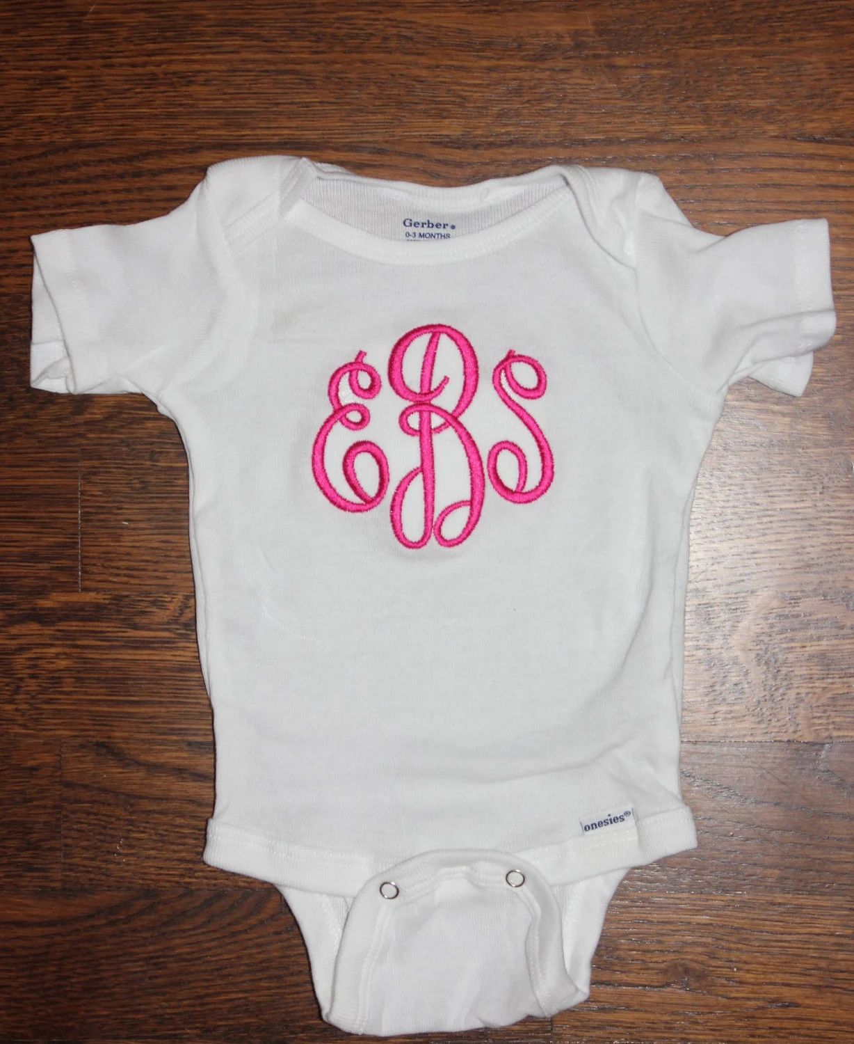 how to monogram a onesie