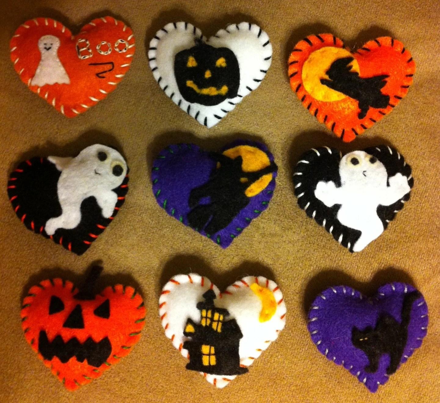 Items similar to Halloween felt hearts. Decorations, pin
