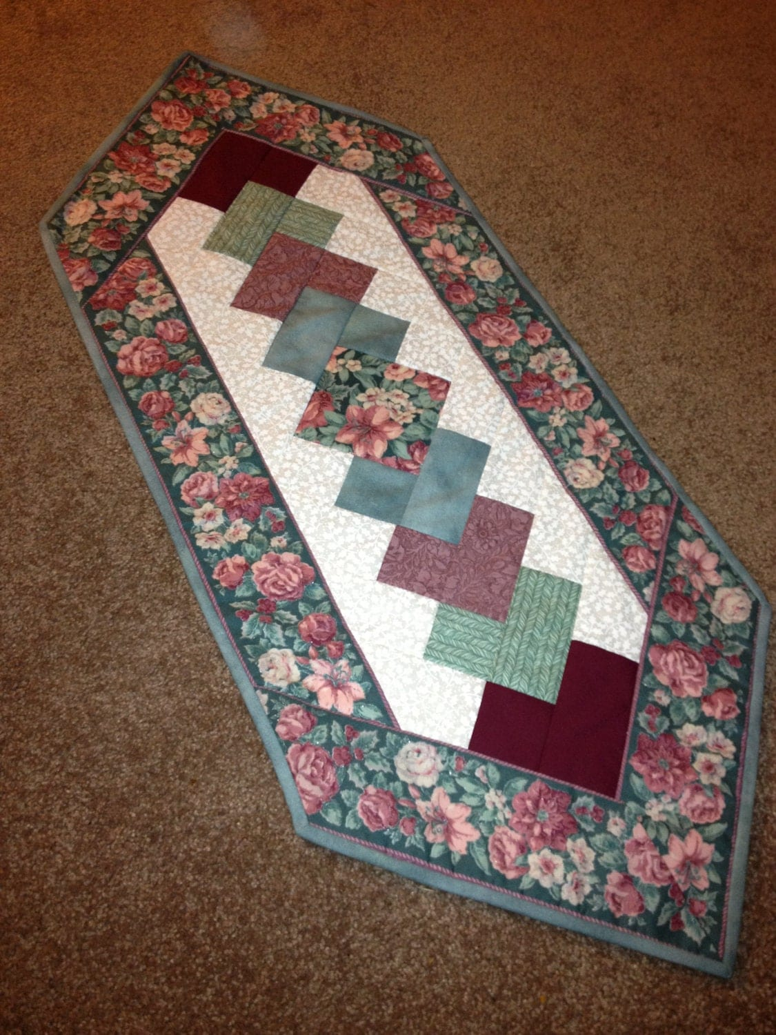 Awesome Pinterest Christmas Quilted Table Runners Download Free Architecture Designs Scobabritishbridgeorg