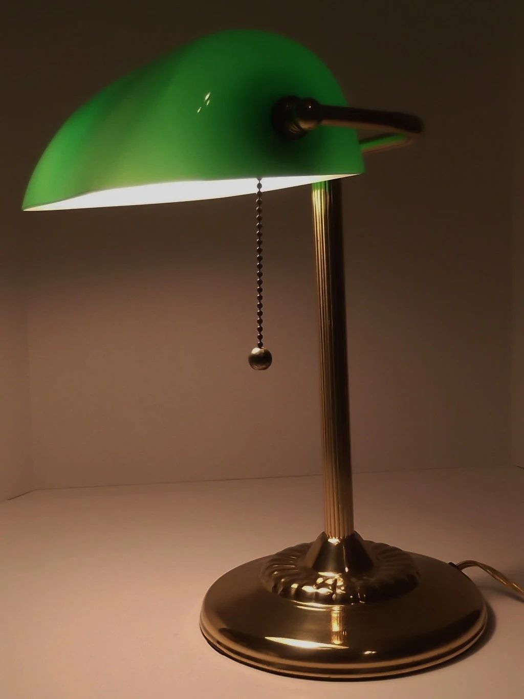 Awesome oval shade table lamp