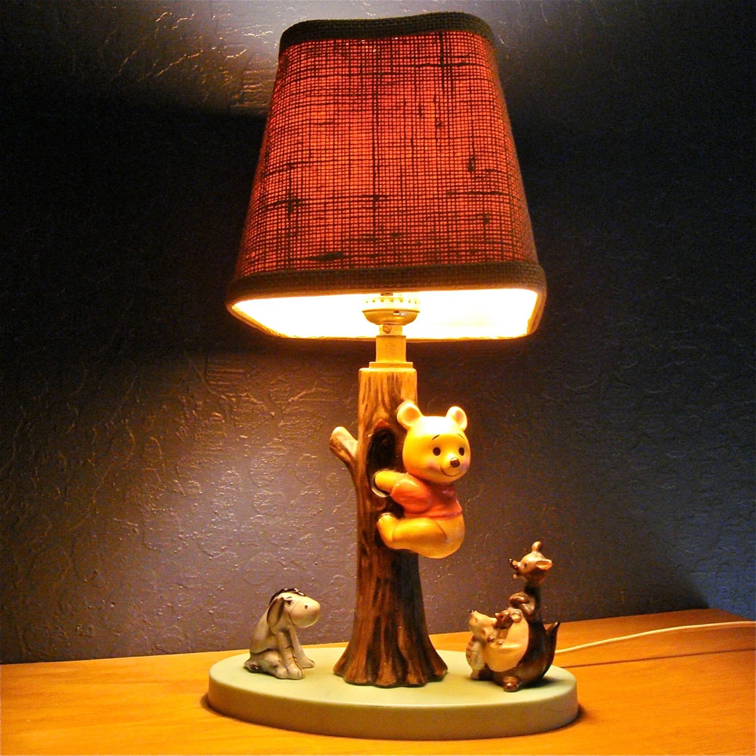 Vintage Winnie The Pooh Ceramic Lamp Light Dolly Toy Corp