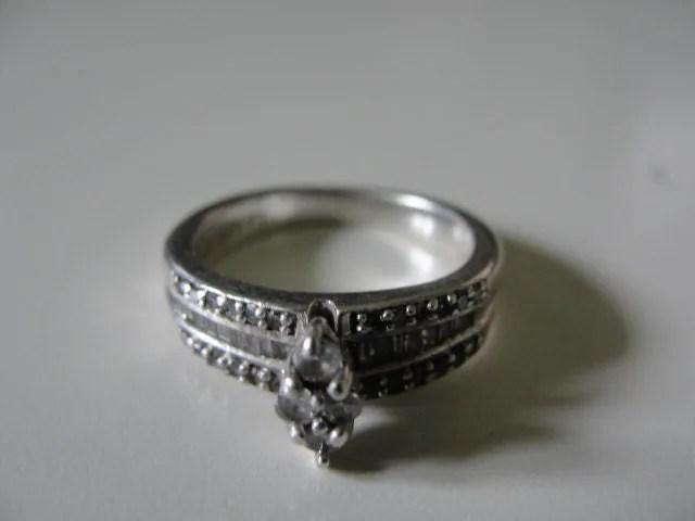 Vintage platinaire diamond engagement or wedding ring
