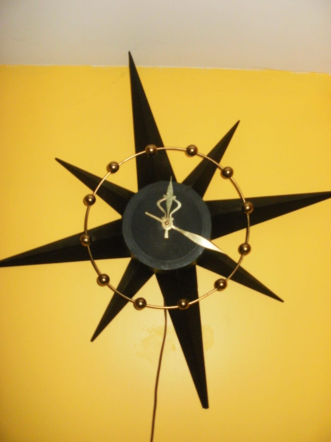 Atomic Wall Clocks Made In Usa Vintage Atomic Mid Century Starburst Wall Clock Worksby
