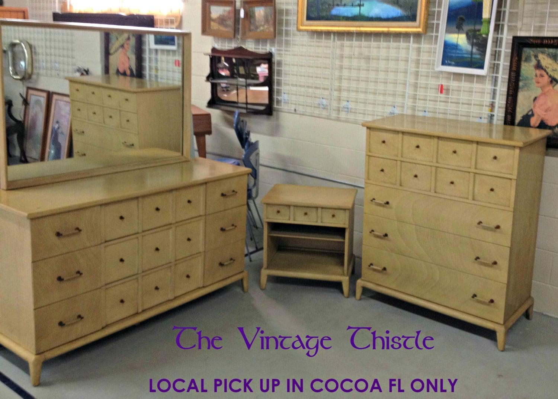Thomasville Bedroom Furniture 1980s vintage thomasville bedroom furniture dresser with mirror trend home
