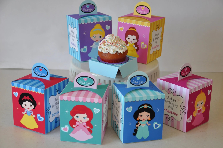 Princess Party pdf printable cupcake box / favor box featuring Snow