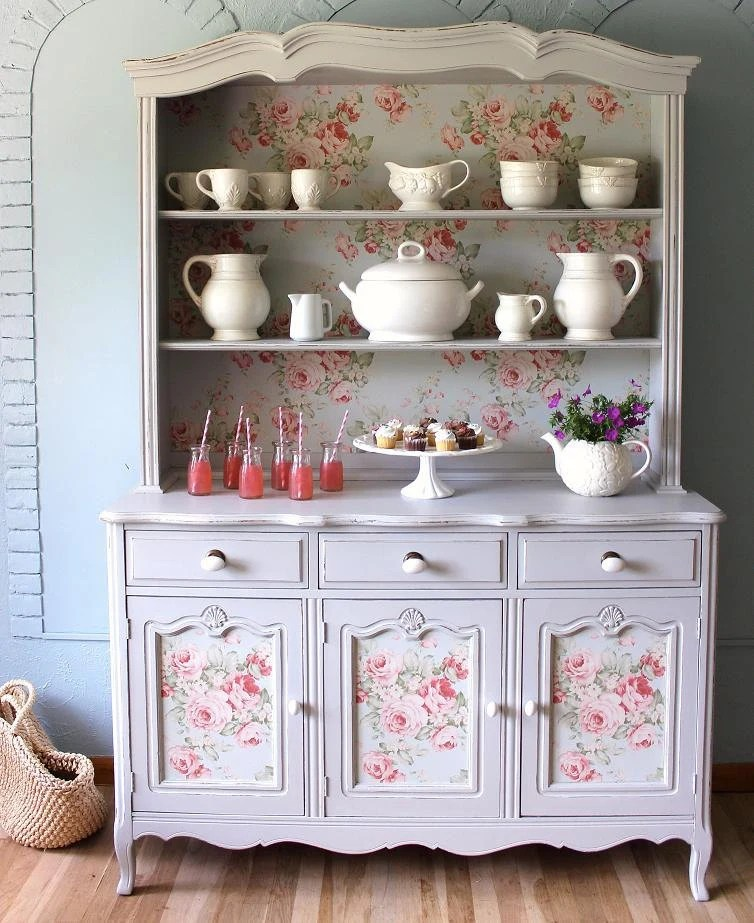 Transformar Muebles Viejos China Cabinet/ French Country Hutch Sold