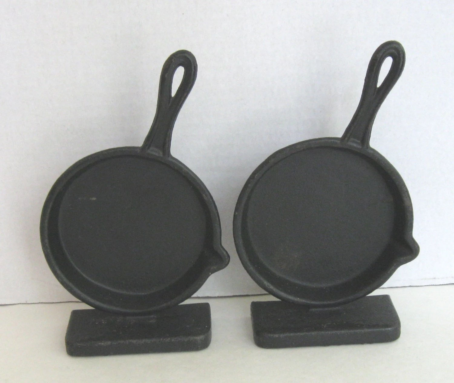 Kitchen Bookends Emig Cast Iron Skillet Kitchen Bookends