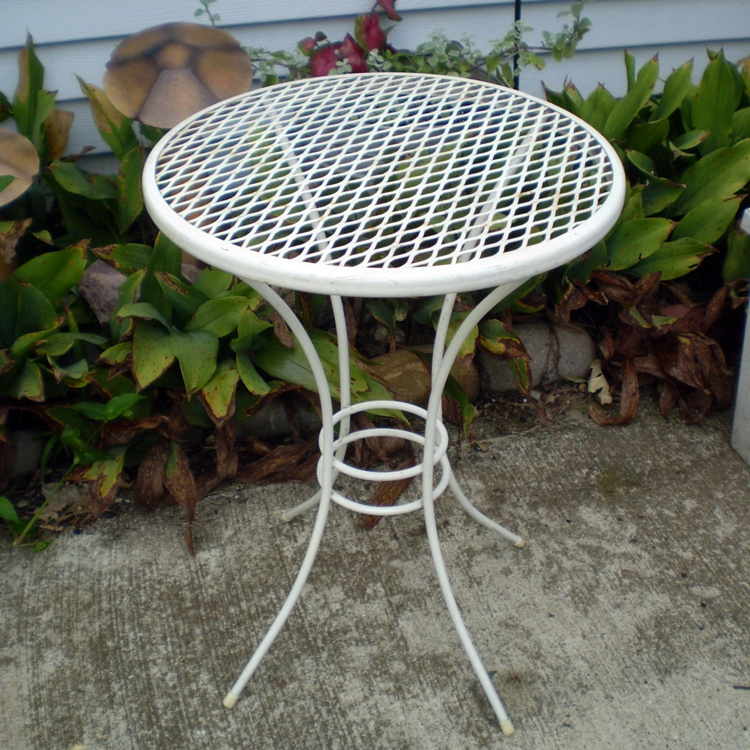 White Pedestal Plant Stands Vintage Metal Patio Table Plant Stand 18 Tall White