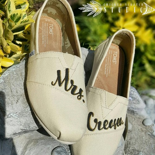 wedding toms toms wedding shoes Custom Painted Bridal Wedding TOMS Shoes Free Shipping Bride TOMS Personalized Wedding Shoes Painted Shoes Glitter Custom TOMS