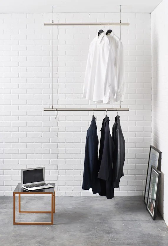 Stahlseil Befestigung Hanging Clothes Rack. Ceiling Mounted. Design Clothes Rail In